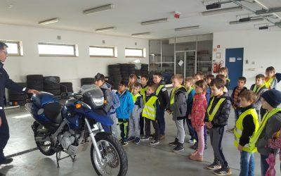 Tehniški dan, 2. razred: Obisk policijske postaje Metlika